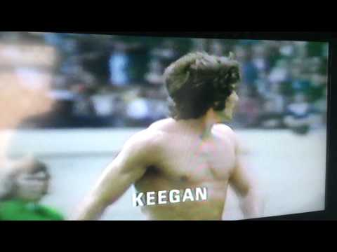 10.8.1974 Charity Shield LEEDS UNITED v Liverpool BILLY BREMNER v Keegan reinactment