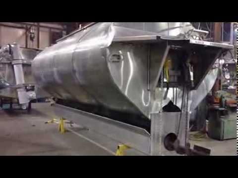 Hensley Feed Body - Placing Tank Into Bottom