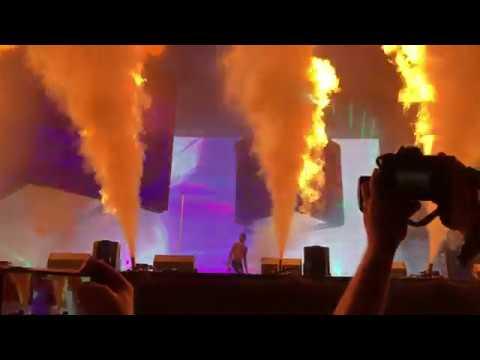 3 - Dark Knight Dummo & BUTTERFLY EFFECT - Travis Scott (HD Live Lollapalooza 2018 - Day 1: 8/2/18)