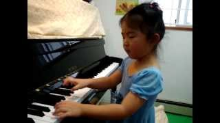 4 Years Old Amanda Cheung Plays Spooks by Poole