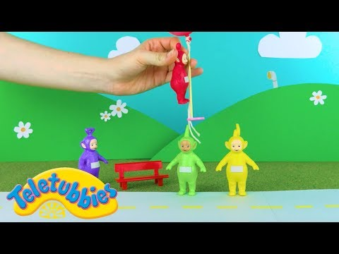 Teletubbies: Teletubbies And The Floating Balloons | Toy Play Video | Play games with Teletubbies
