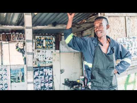 Nomad Barber - Sikhumbuzo the street barber of Soweto (South Africa)
