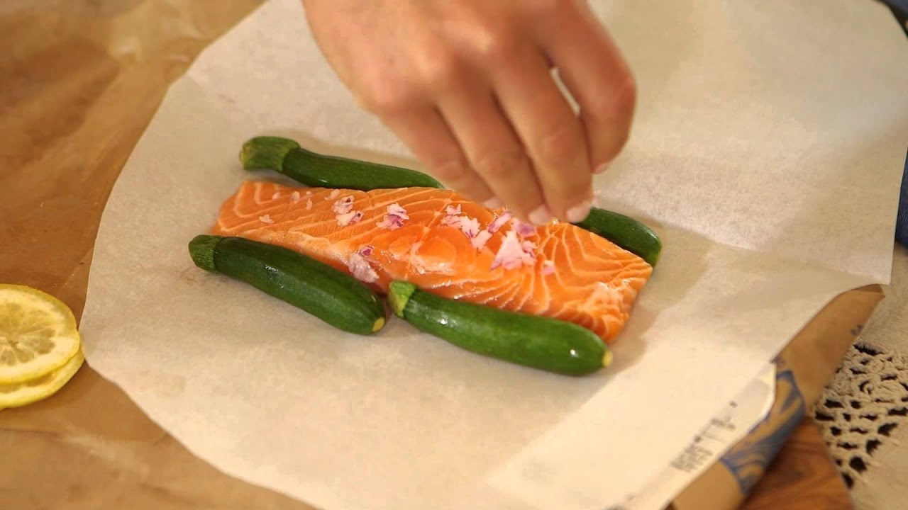 How to cook salmon in the oven using parchment paper for How to cook salmon fish