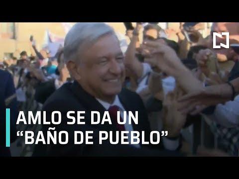 """AMLO sale caminando de Palacio Nacional y se da """"un baño de pueblo"""" - Transición 2018"""
