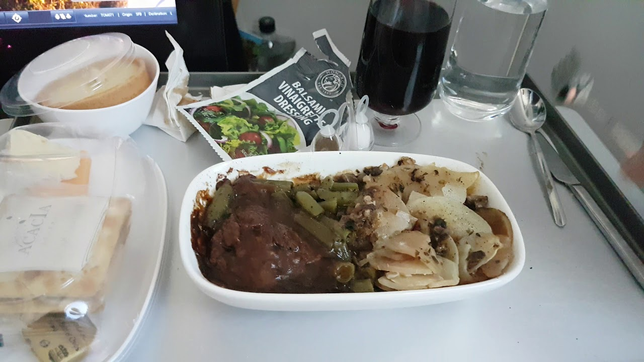 Thomson Inflight Meals >> Flying Premium Club Meal Tui