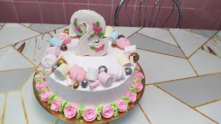 Торт для девочки с пряничным топером