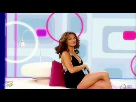 Mónica Martinez - La más sexy con un microvestido de impacto thumbnail