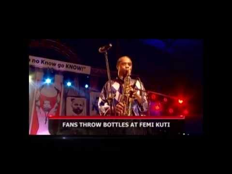 FANS THROW BOTTLES AT FEMI KUTI @ 2014 CELEBRATION (Nigerian Entertainment)