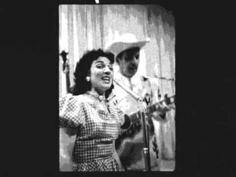 Betty Cody - Pale Moon (An Indian Love Song) 1953 (The Female Slim Whitman)