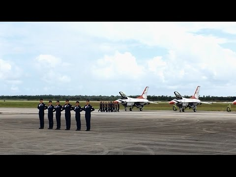 USAF Thunderbirds at 2016 Wings Over Homestead Air Show, Homestead, FL - 05-Nov-2016