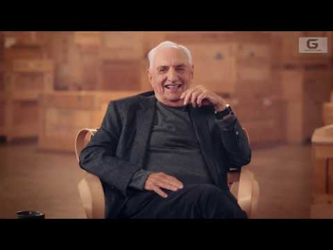 """ARCHITECTURE : Frank Gehry teach how to do the """"architect"""""""