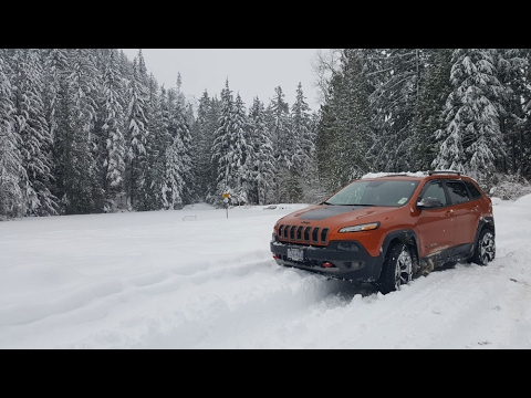 Winter Snow Driving with Jeep 4x4 Cherokee Trailhawk - YouTube