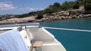 изумительное море в Порто Хели, восток Пелопоннеса, Греция, июль 2013