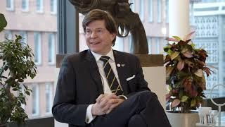 Hur försvarar vi Sveriges demokrati?