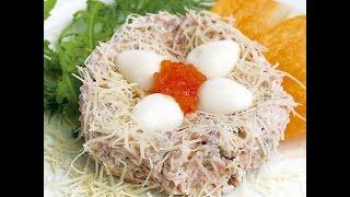 Салат из языка с перепелиным яйцом