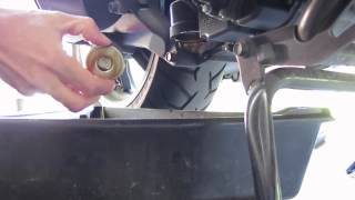 Kymco Downtown 300i engine and gear case oil change