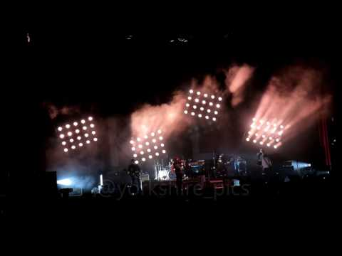 Kaiser Chiefs Stay Together Tour Leeds Arena 2017