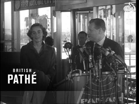 Nelson Rockefeller And Bride Leave For Honeymoon (1963)