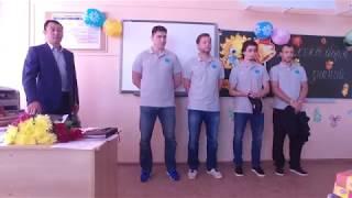 День знаний. Хоккеисты вместе с учениками 5А класса 22 школы Южно-Сахалинска встретили 1 сентября
