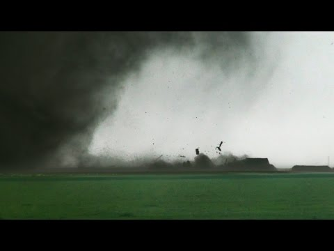 AMAZING close-range tornadoes near Dodge City, KS on 5/24/2016