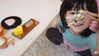 ママが怖い夢で寝不足!?納豆焼き魚セットのおもちゃでママのお手伝い‼︎おゆうぎ Play as a Grilled Fish Toy