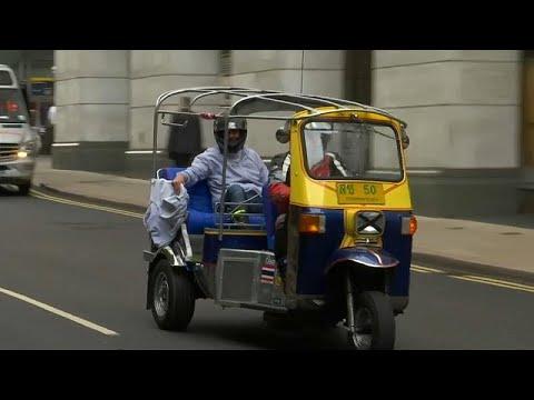 شاهد: هل تصبح عربة -توك توك- بريطاني الأسرع في العالم؟  - نشر قبل 40 دقيقة