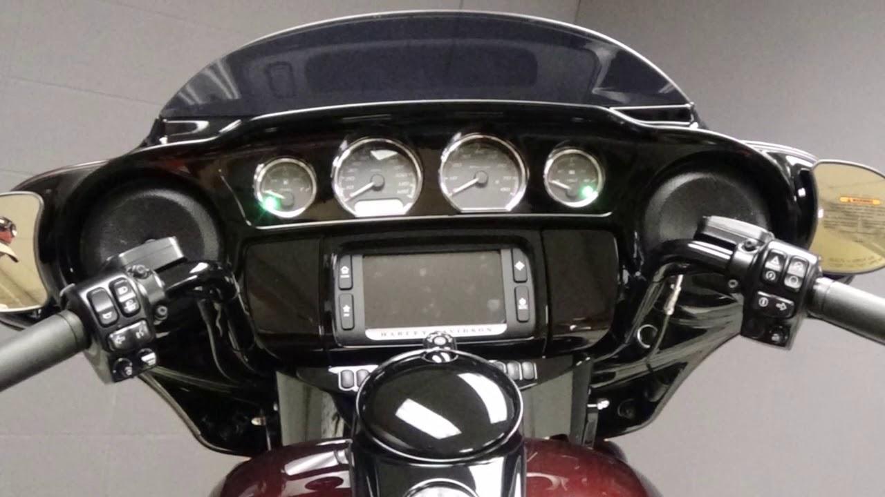 Harley Davidson Street Glide Twisted Cherry