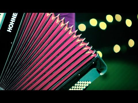 How to Play a Romantic Song | Accordion Lessons
