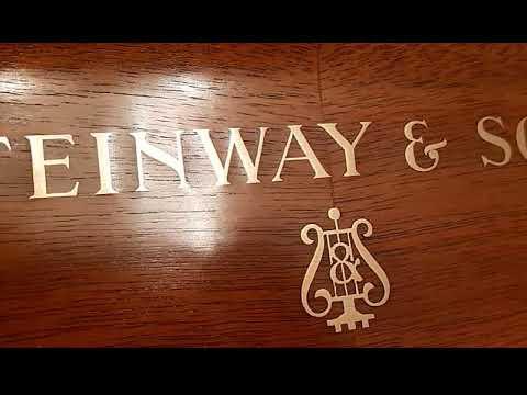 Steinway Z Klavier upright piano