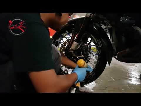 Cleaning BMW GSA Front Rim