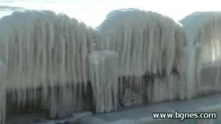 Леден дворец на брега на морето.mp4