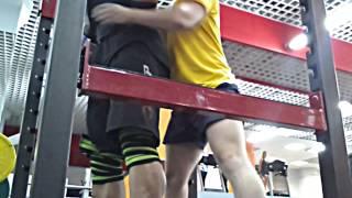 Сергей Тураев присед 220 на 14. Тренировка ног.
