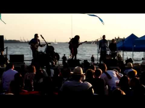 Valerie June 16/07/15 @battery park NYC