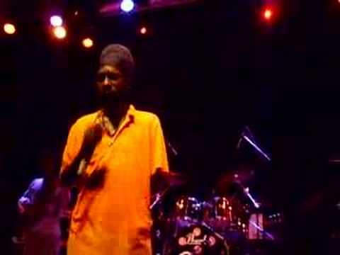 Sizzla  Be Strong