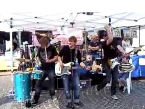Mercatino musicale di Carpenedolo Live allo stand LA BOTTEGA DELLA MUSICA 1.3gp