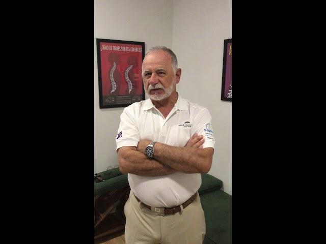 Angel, un profesional del golf, está muy contento con el tratamiento en Quiropractica Avanzada