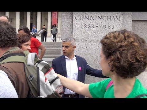 Heckler confronts Sadiq Khan in London