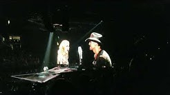 I Need You Kiss - Faith Hill & Tim McGraw Soul2Soul Jacksonville Florida - 9-16-2017
