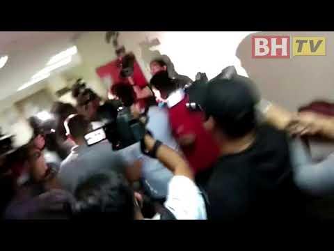 'Datuk Seri' didakwa pukul anggota RELA tiba di Mahkamah Ampang