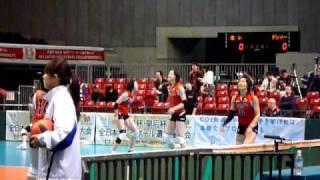 2009年天皇杯バレーボール大会準決勝前の練習風景。