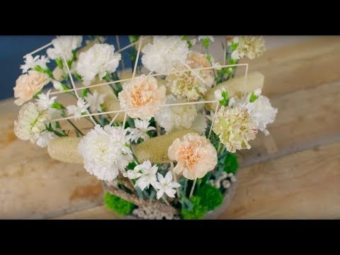 Carnation centerpiece   Flower Factor tutorial   Powered by Trendy Dianthus