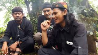 Dokumenter Video Perjalanan Ke Komplek Pemakaman Kuta Tanggeuhan Kemuning Wangi .Part 2