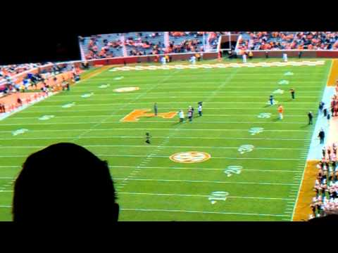 Tony Robinson Recognized as UT Legend of the Game (2013 Auburn-Tennessee Game)