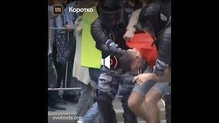 12 Июня - задержание под гимн России. Без комментариев...