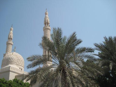 Jumeirah Mosque (Dubai) & Adhan Call (stills & clips)