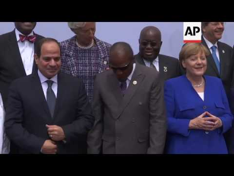 Family photo as Merkel hosts G20 Africa meeting