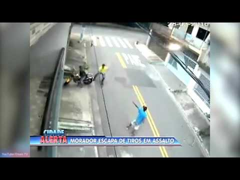 Brazil Gunmen Miss Victim When They Shoot At Him FIVE TIMES At Point Blank Range   Daily Mail Online