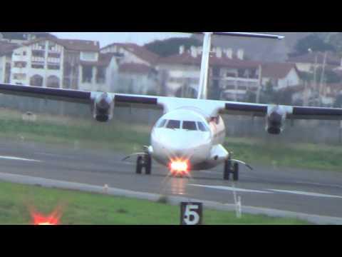 Aterrizaje en picada ATR 72-600 pista 22 de LESO
