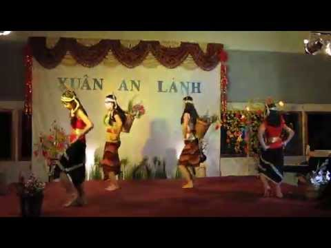 Múa chiều lên bản thượng - Phượng Thúy - Thảo Uyên - Trúc Vy - Việt Thy