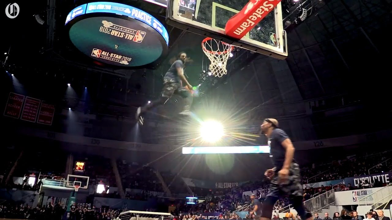 Air Elite throws it down for NBA All-Star practice fans